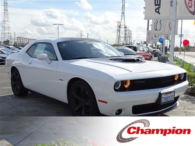 Pre Owned 2017 Dodge Challenger R T Shaker